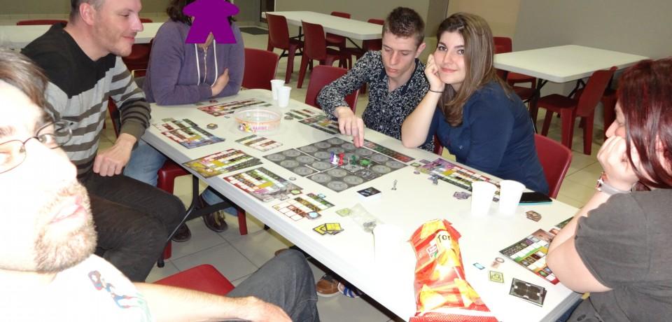 Compte-rendu de la séance n°14 du 09 avril 2015 : La nuit au Meeple